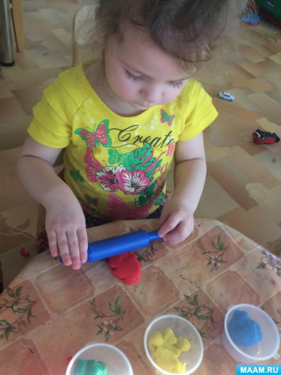 Лепка с использованием затвердевающего пластилина и магнитов. Магнит на холодильник «Цветок для мамы».