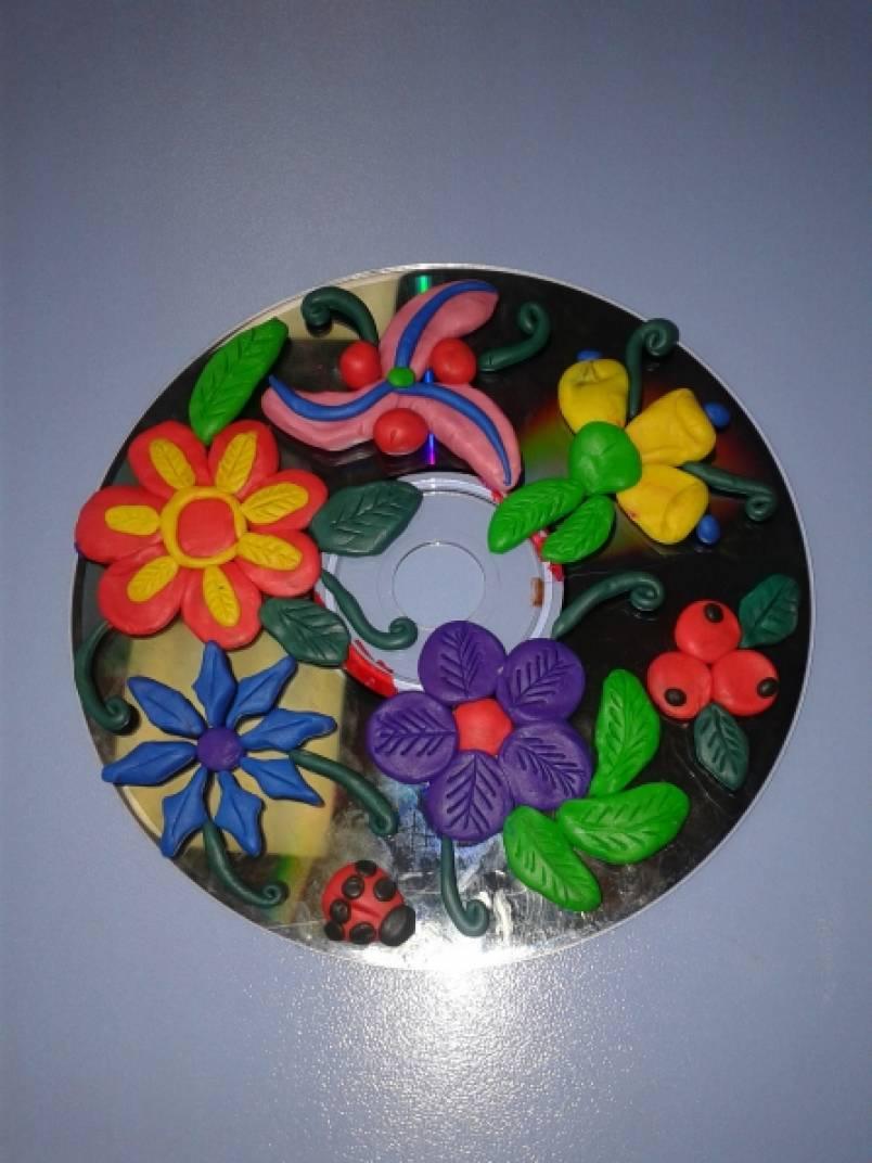 Как сделать поделку из пластилина на диске