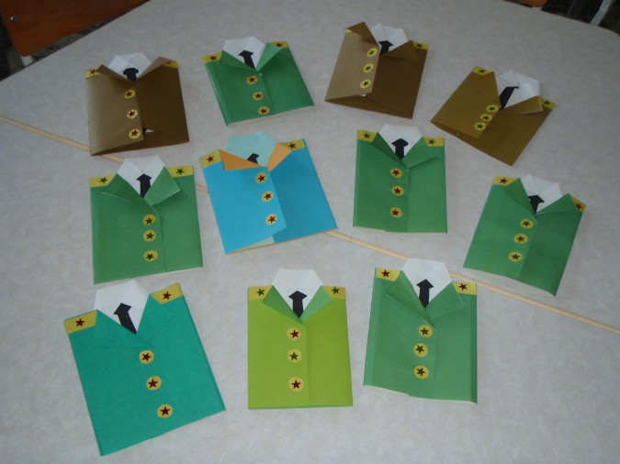 Мастер-класс по изготовлению поздравительной открытки для пап ко Дню защитника Отечества «Мундир»