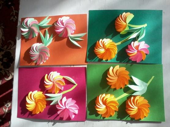 Открытка из картона и цветной бумаги