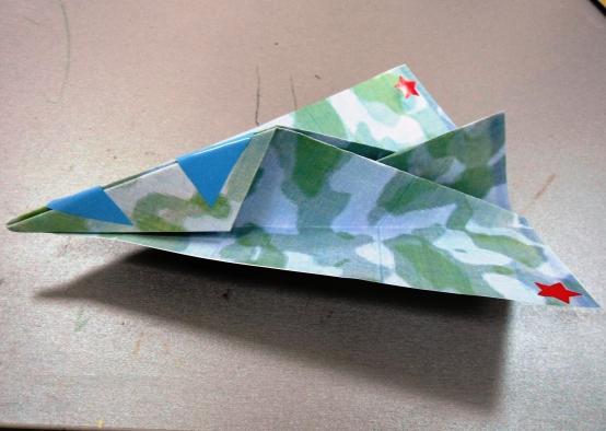 Военный самолёт в технике