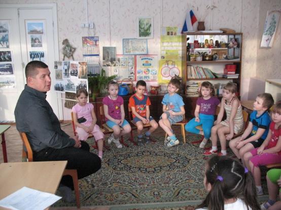 Патриотическое воспитание дошкольников. Конспект тематического занятия в подготовительной группе «Наша армия родная»