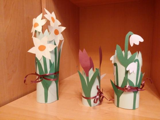 Как сделать цветы из бумаги своими руками в детском саду 93