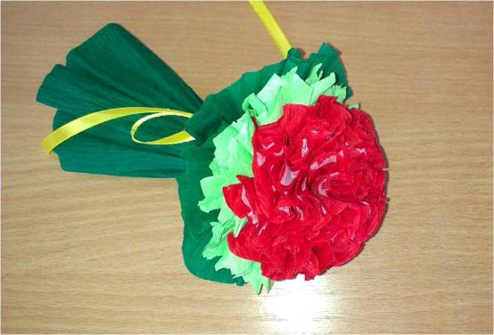 Цветы можно посадить и в горшочек