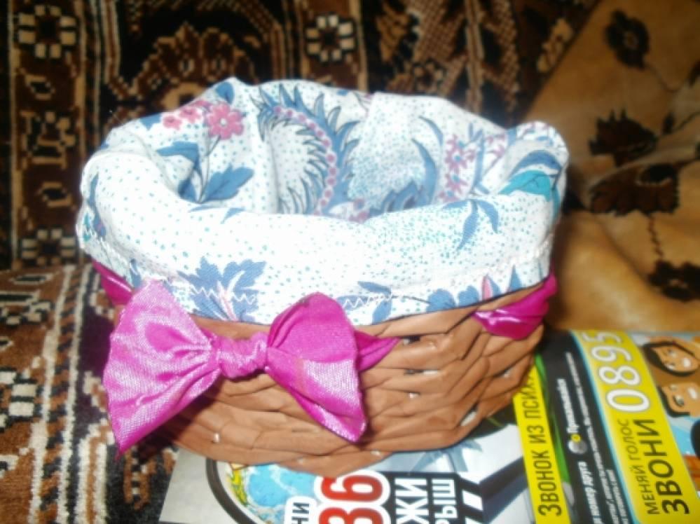 Поделки из газетных трубочек!Сказочный домик и корзиночки для бабы Яги