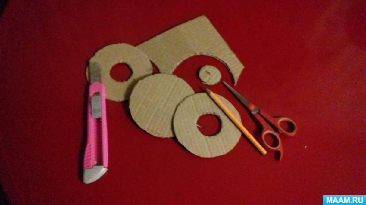 Пошаговый макет дерева из упаковочного картона