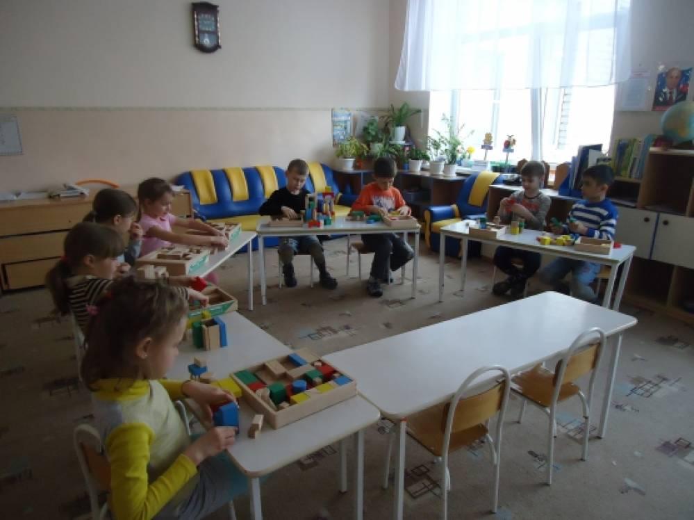 Дружно строим детский сад Занятие по конструированию из