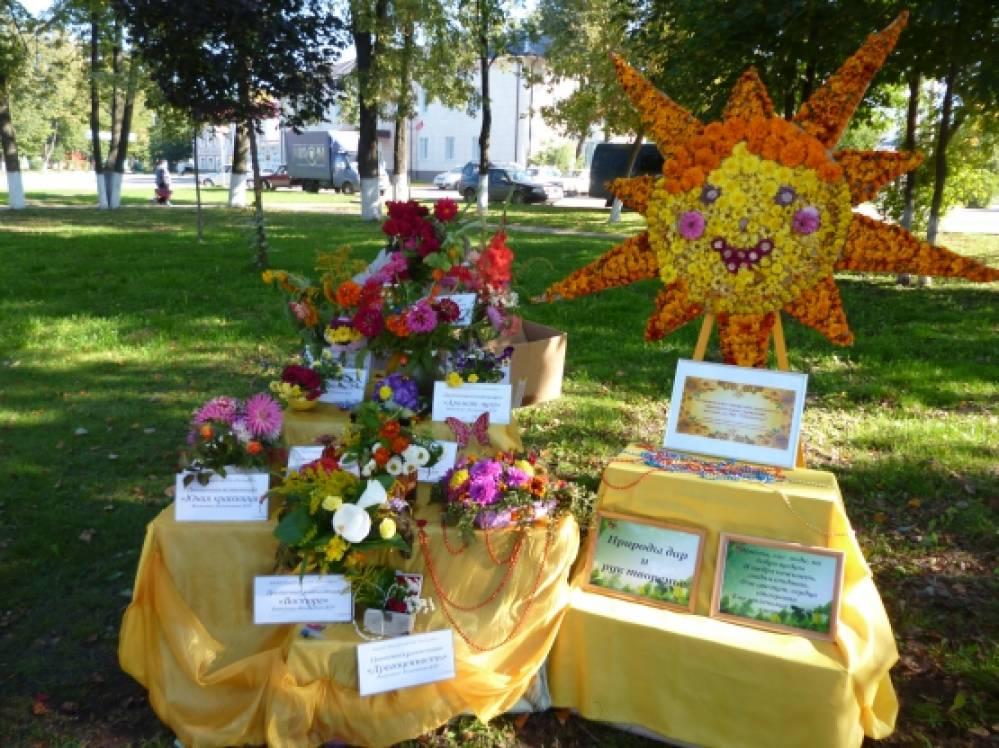 Композиции из цветов для конкурса фото