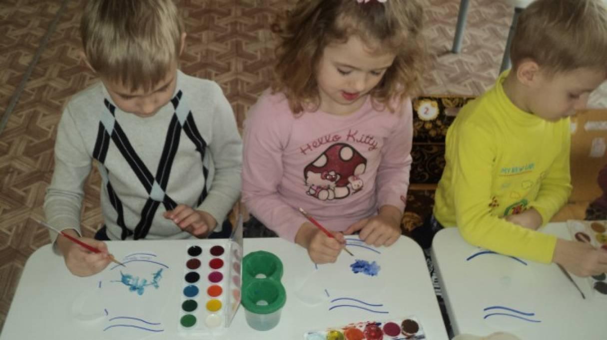 знакомим детей с гжельской росписью