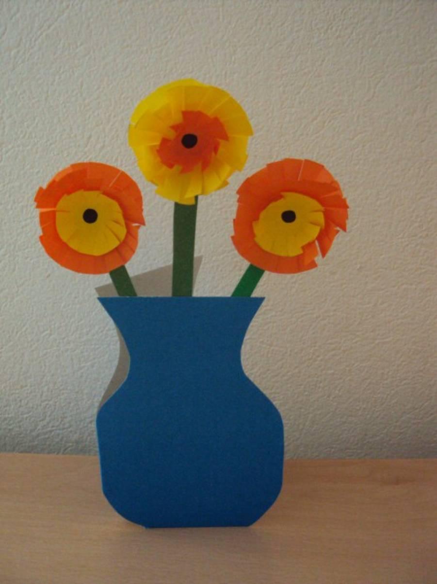 является ваза с цветами из цветной бумаги на картоне изготовления аккумулятора может