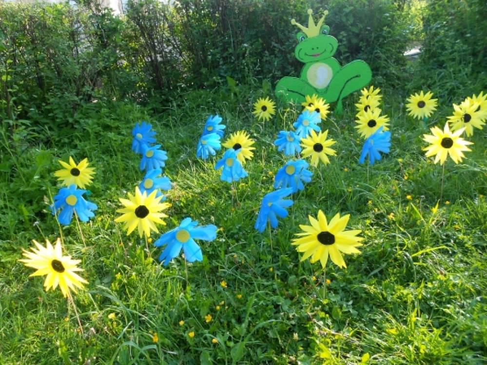 Цветы из пластиковых стаканчиков