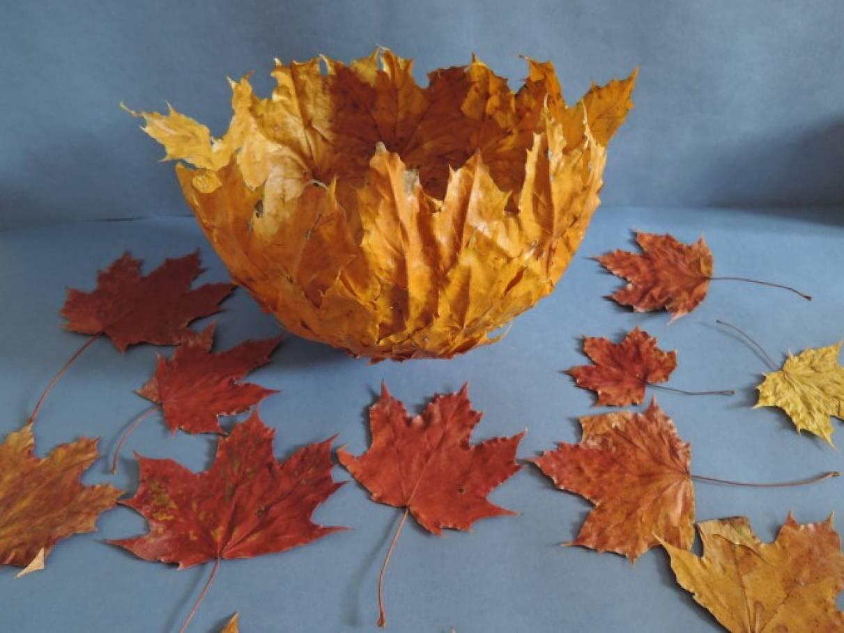 Мастер-класс по изготовлению вазы из осенних листьев клена