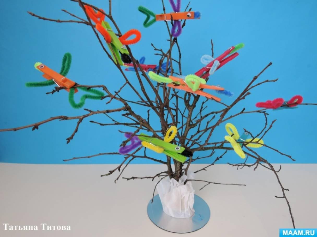 Дидактическое пособие «Дерево с зимующими птичками— снегирями и синичками» из прищепок