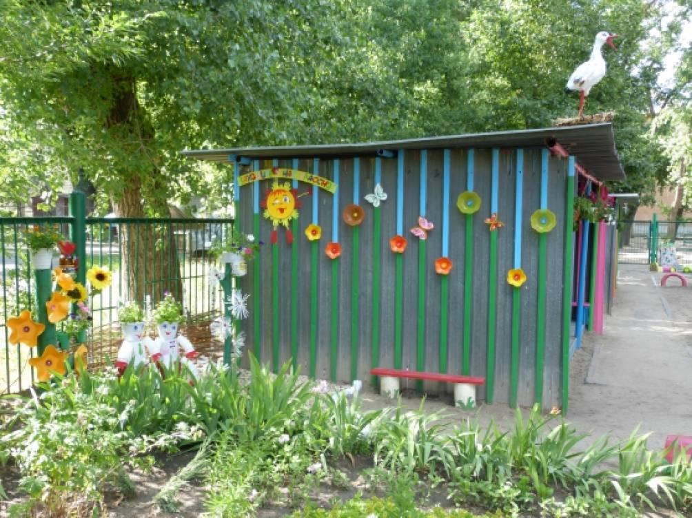 Летнее оформление участка  в детском саду фото 193