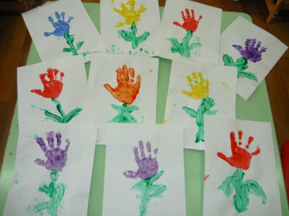 Подарки мамам своими руками в младших группах