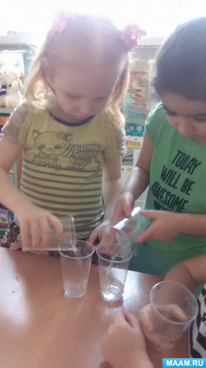 Анальный эксперимент с водой над женщиной