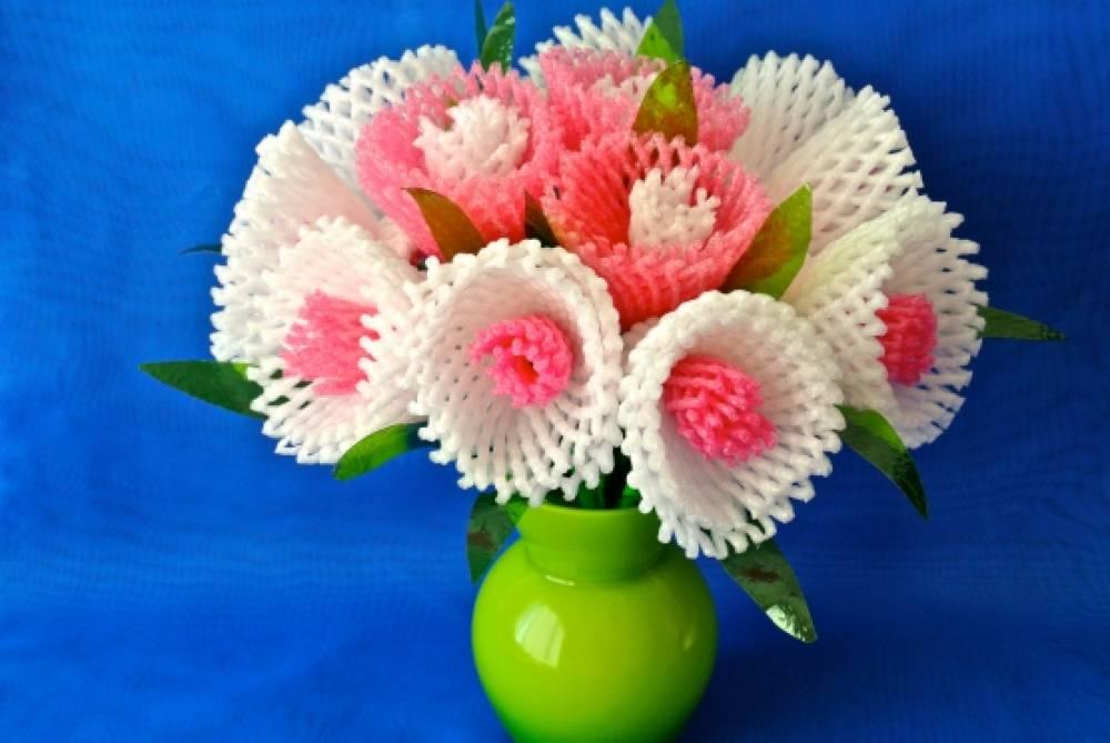 Цветы из бросового материала