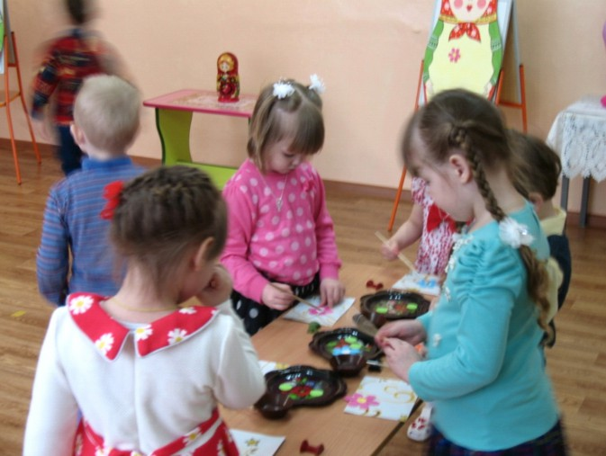 знакомство с русской народной игрушкой в средней группе