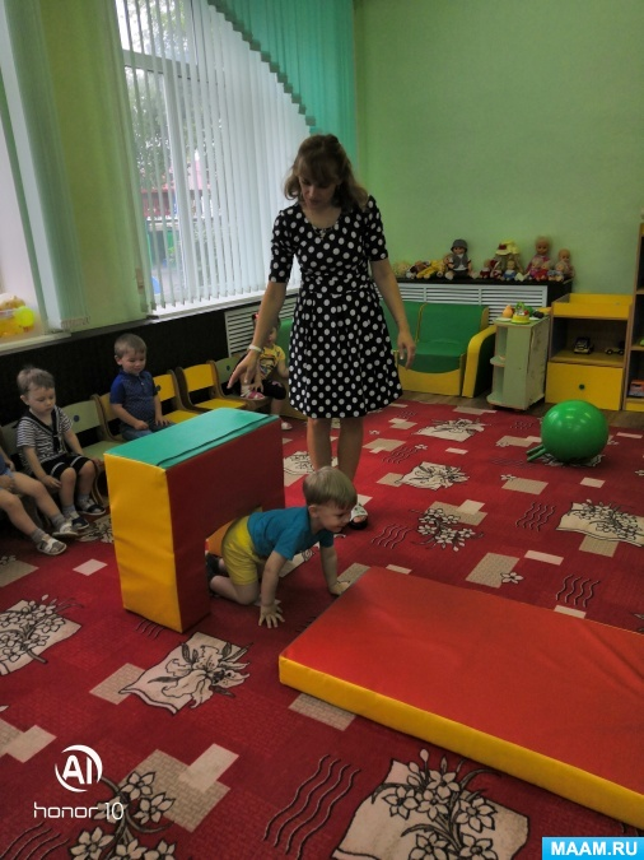 «Спорт». Конспект игрового занятия для детей первой младшей группы ясельной детского сада