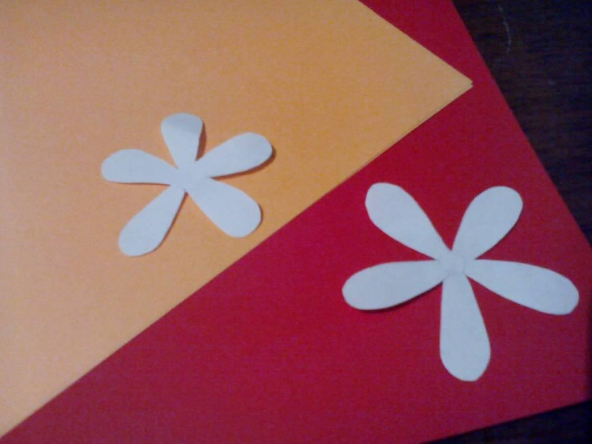 Как сделать из бумаги маме подарок цветы