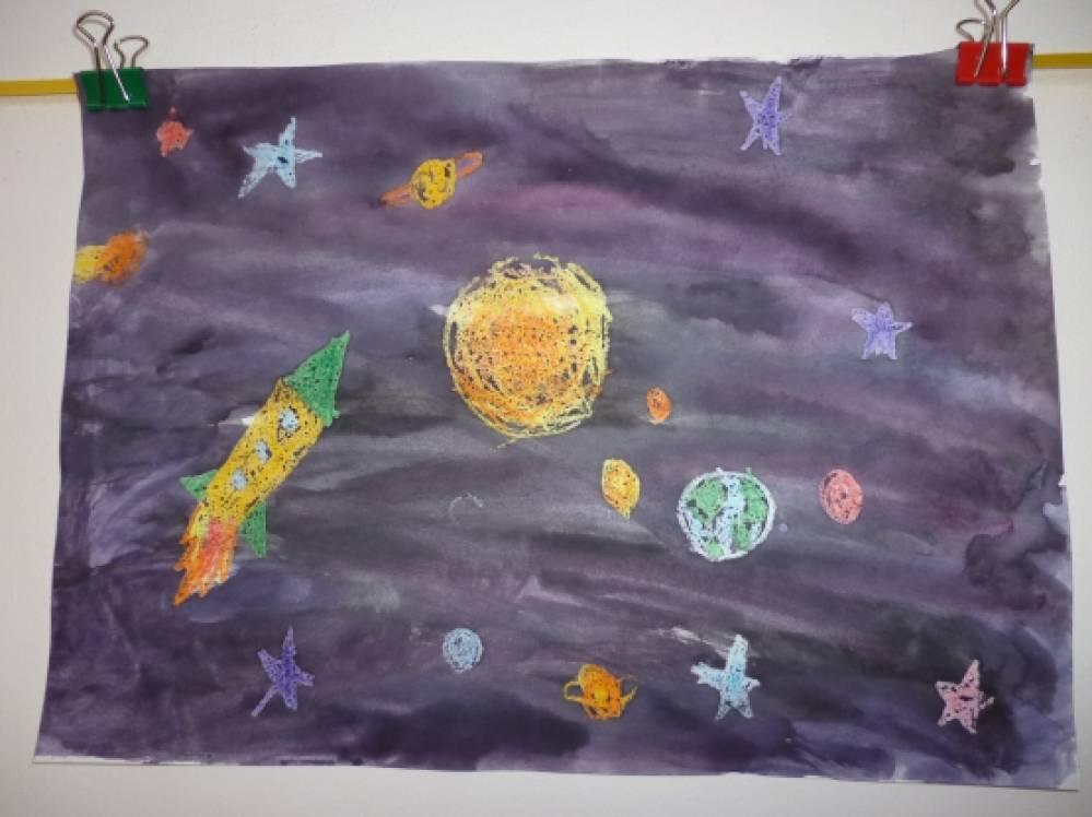 Рисование восковыми мелками и акварелью космос