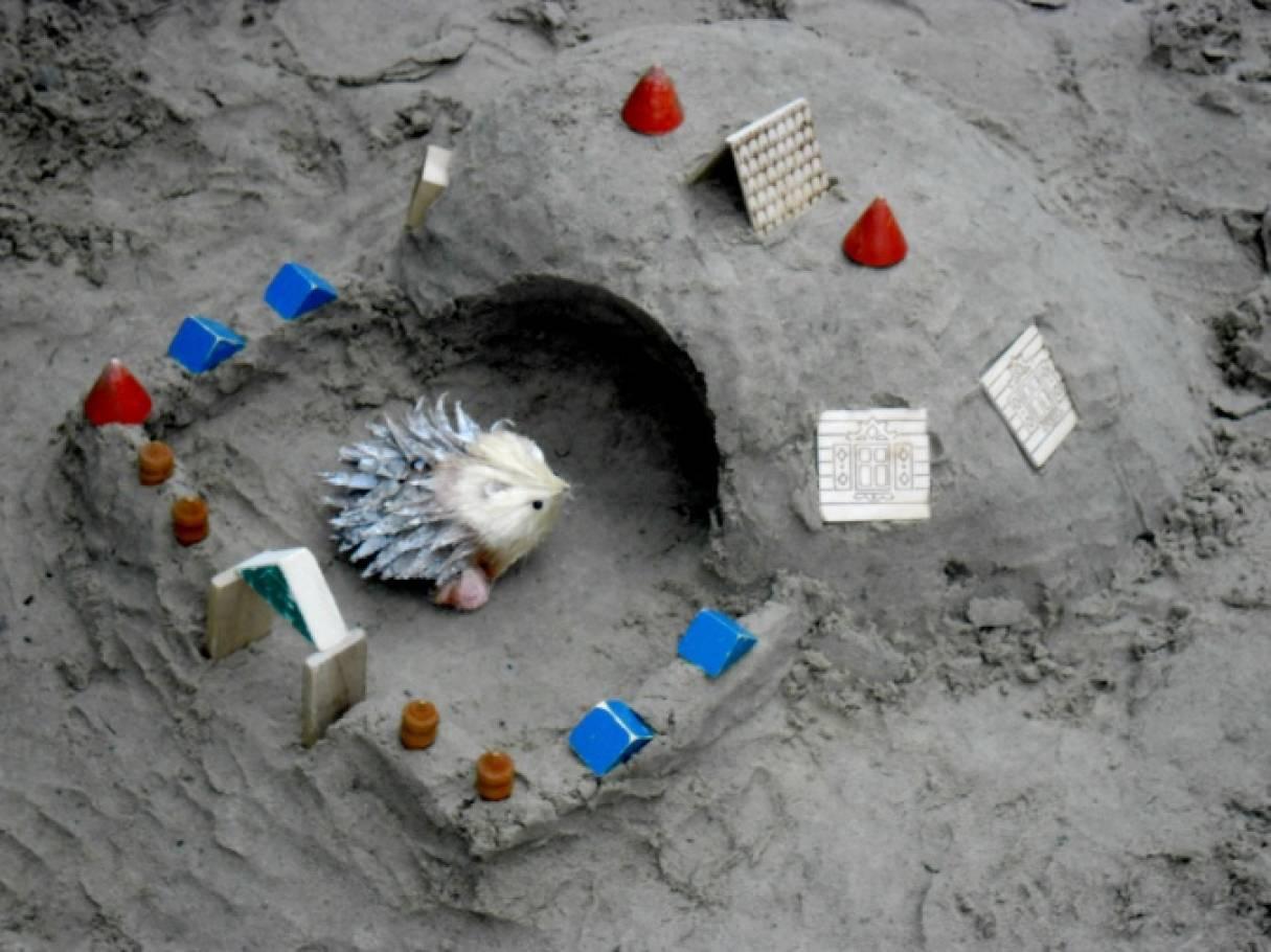 Фотоотчет «Мы в песочнице играем!»