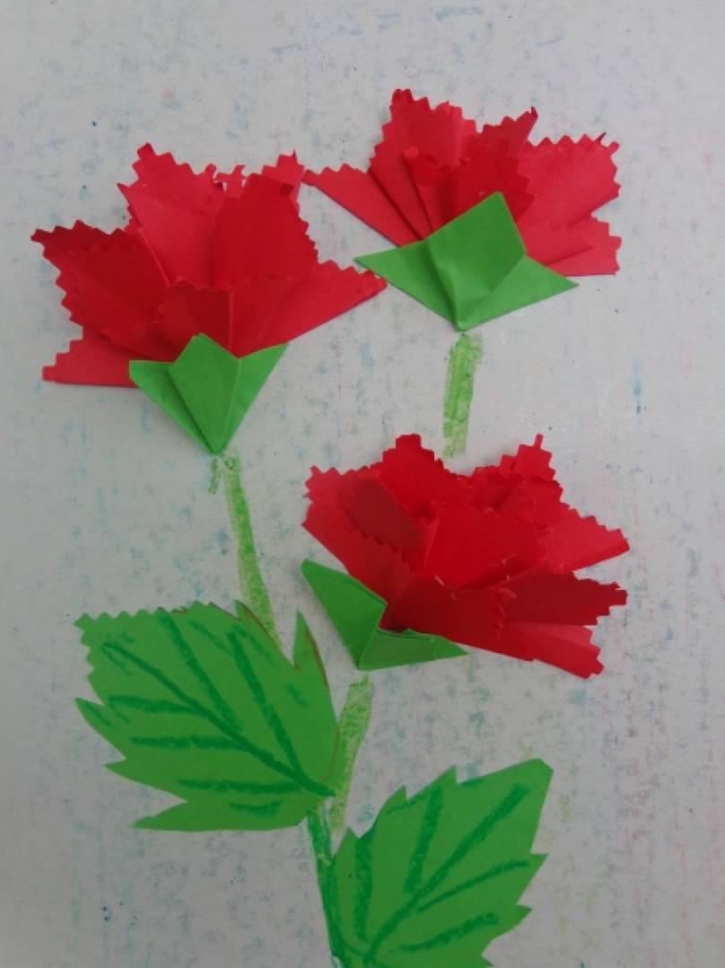 Гвоздика из оригами