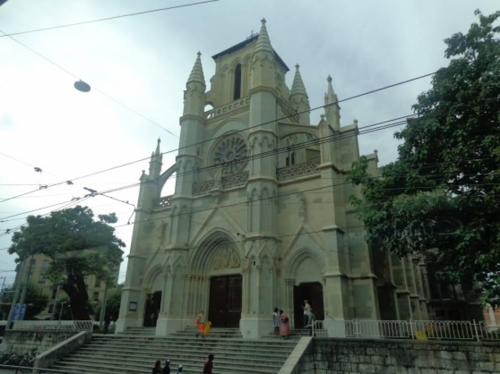 Нотр дам и романский собор сен пьер