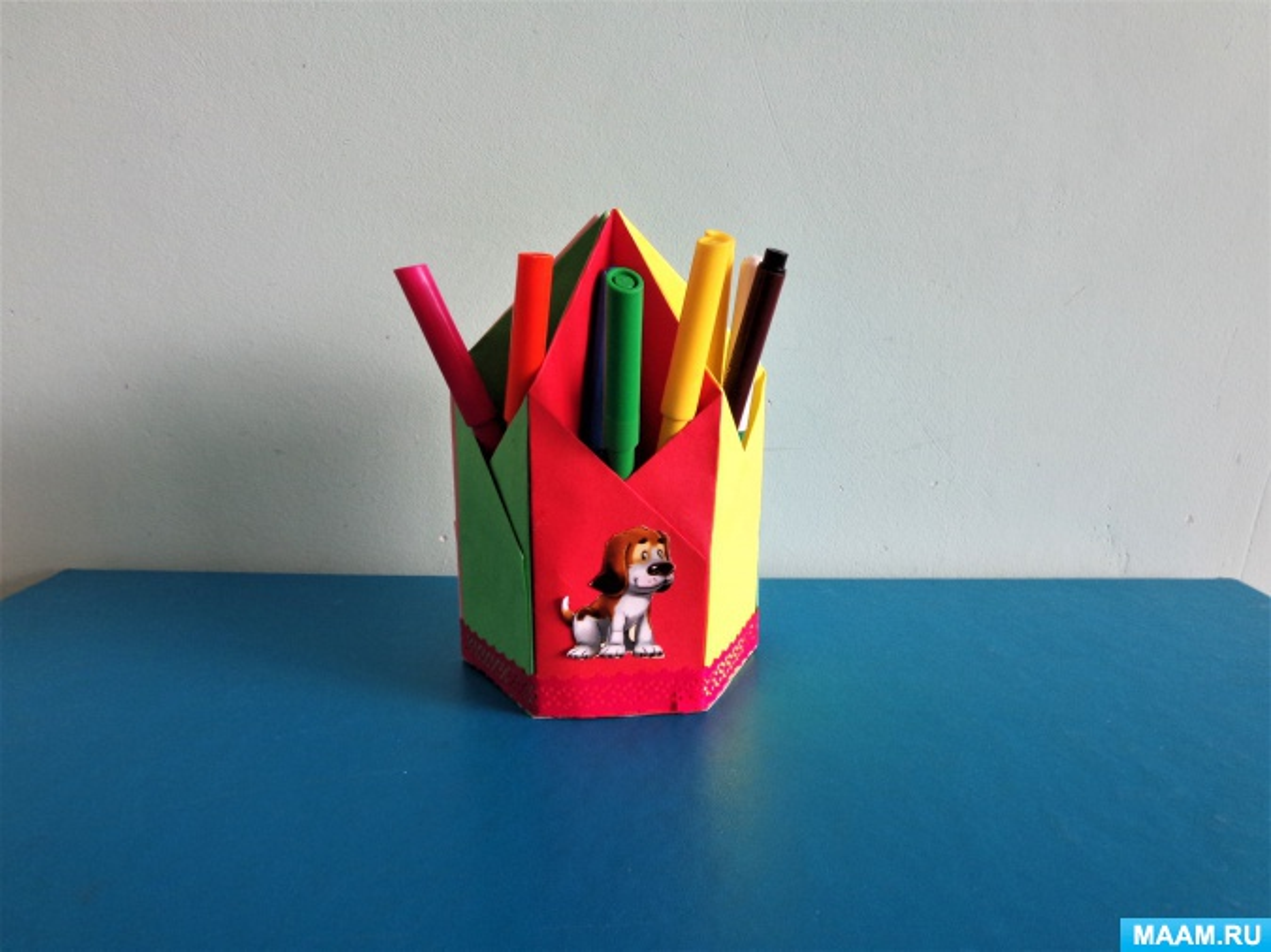 Мастер-класс в технике оригами «Скоро в школу. Подставка для ручек и карандашей»