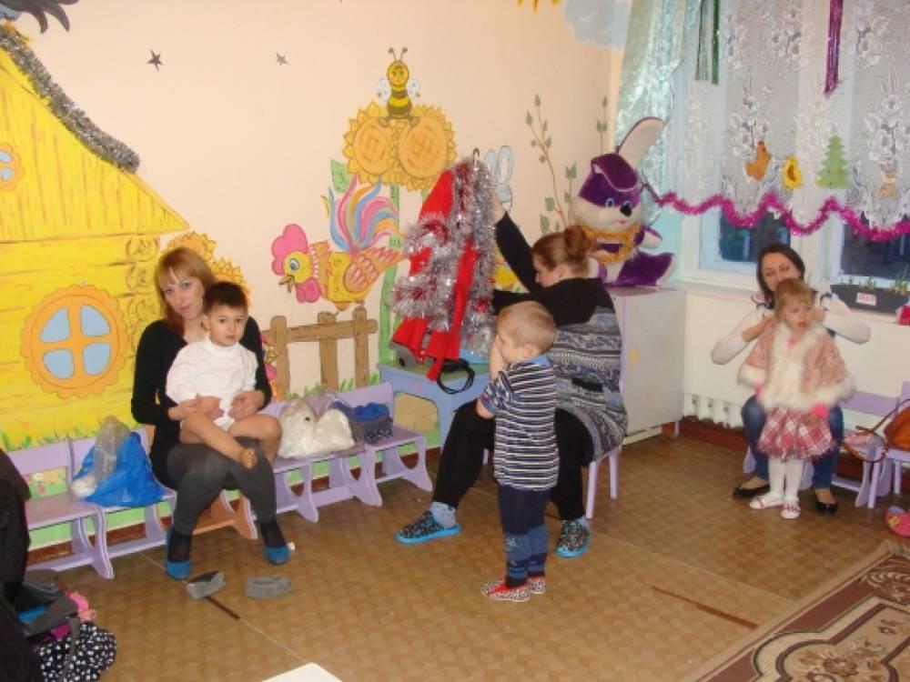 «Новый год у ворот». Фотоотчёт новогоднего утренника у малышей