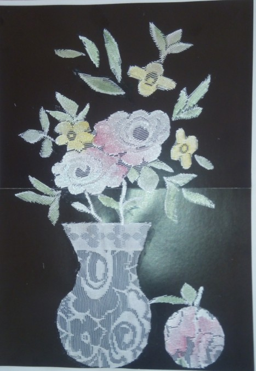 Аппликация из кружев «Цветы для мамы»