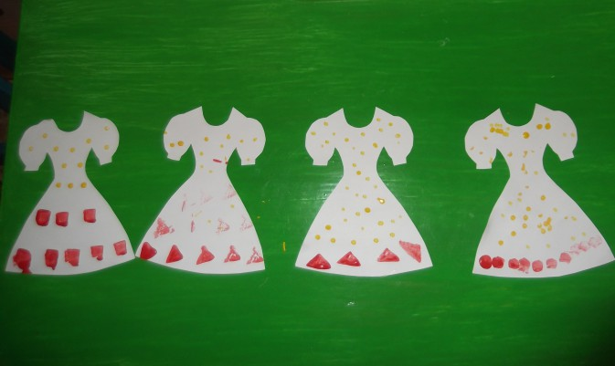 Рисование куклы в платье