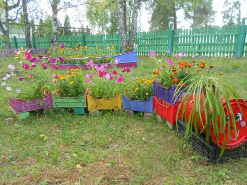 Оформление участков в саду летом фото своими руками