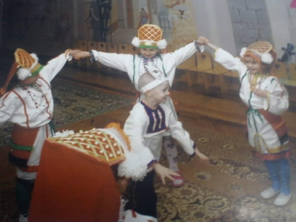 Мордовские народные подвижные игры Воспитателям детских садов  Мордовские народные подвижные игры