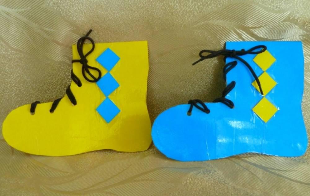 Игра-шнуровка «Разноцветные сапожки»