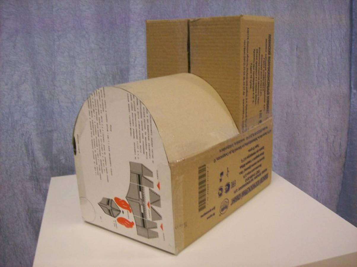 Паровозик из коробок