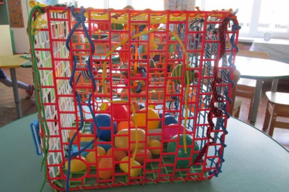 Дидактическое пособие «Сенсорный куб» для детей 1,5 до 3 лет