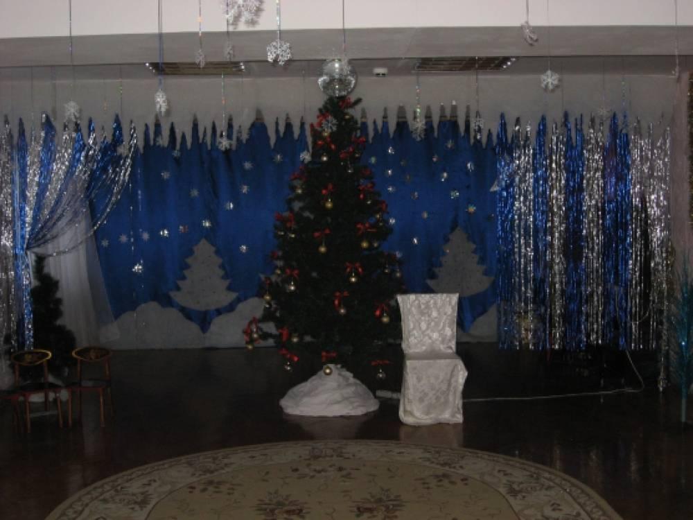 Оформление музыкального зала к Новому году