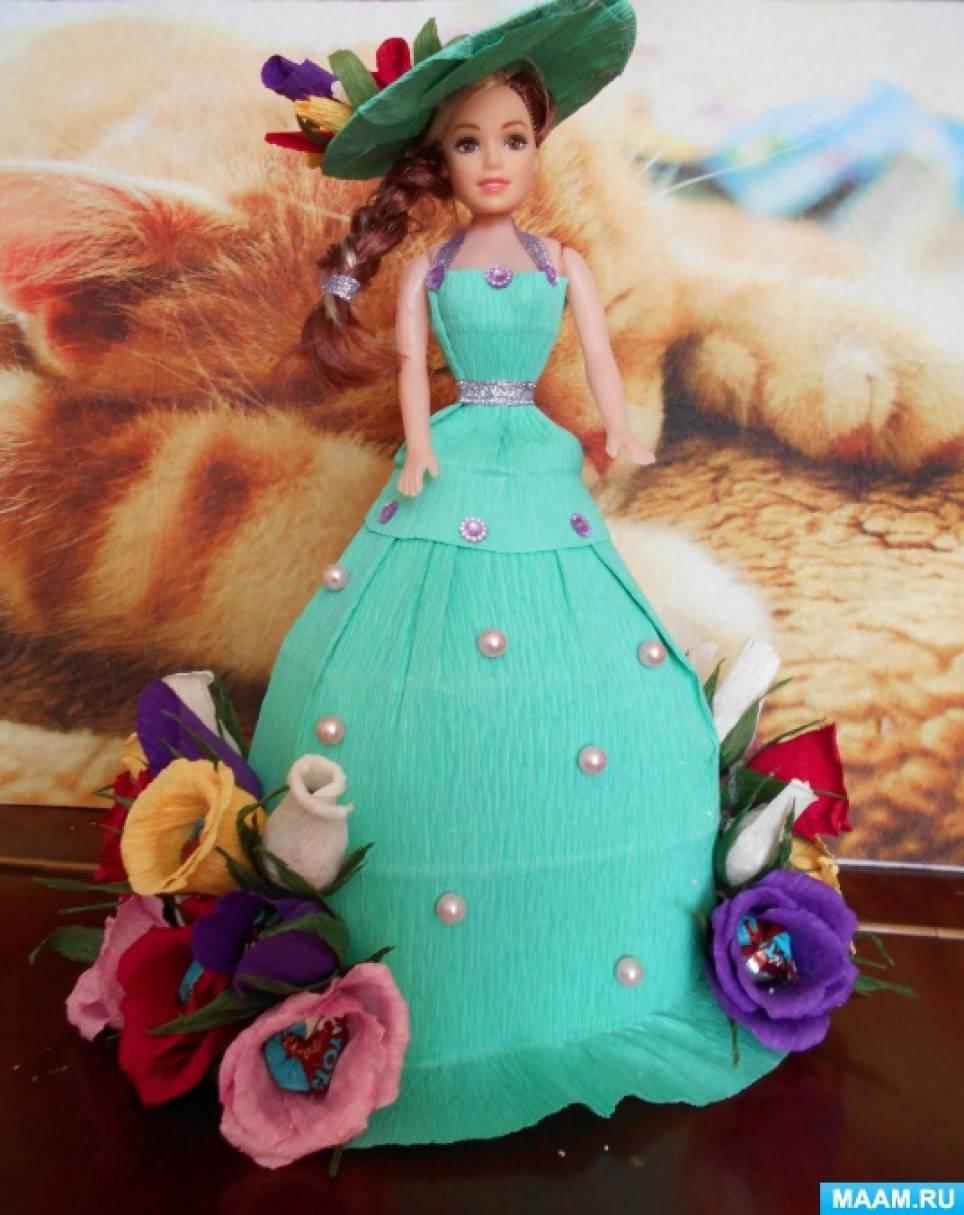 50105dfbdaee3d9 Посмотрите, какие замечательные модели одежды придумали дети своим мамам,  которые и помогли претворить творческие замыслы своих детей, а воспитатели  ...