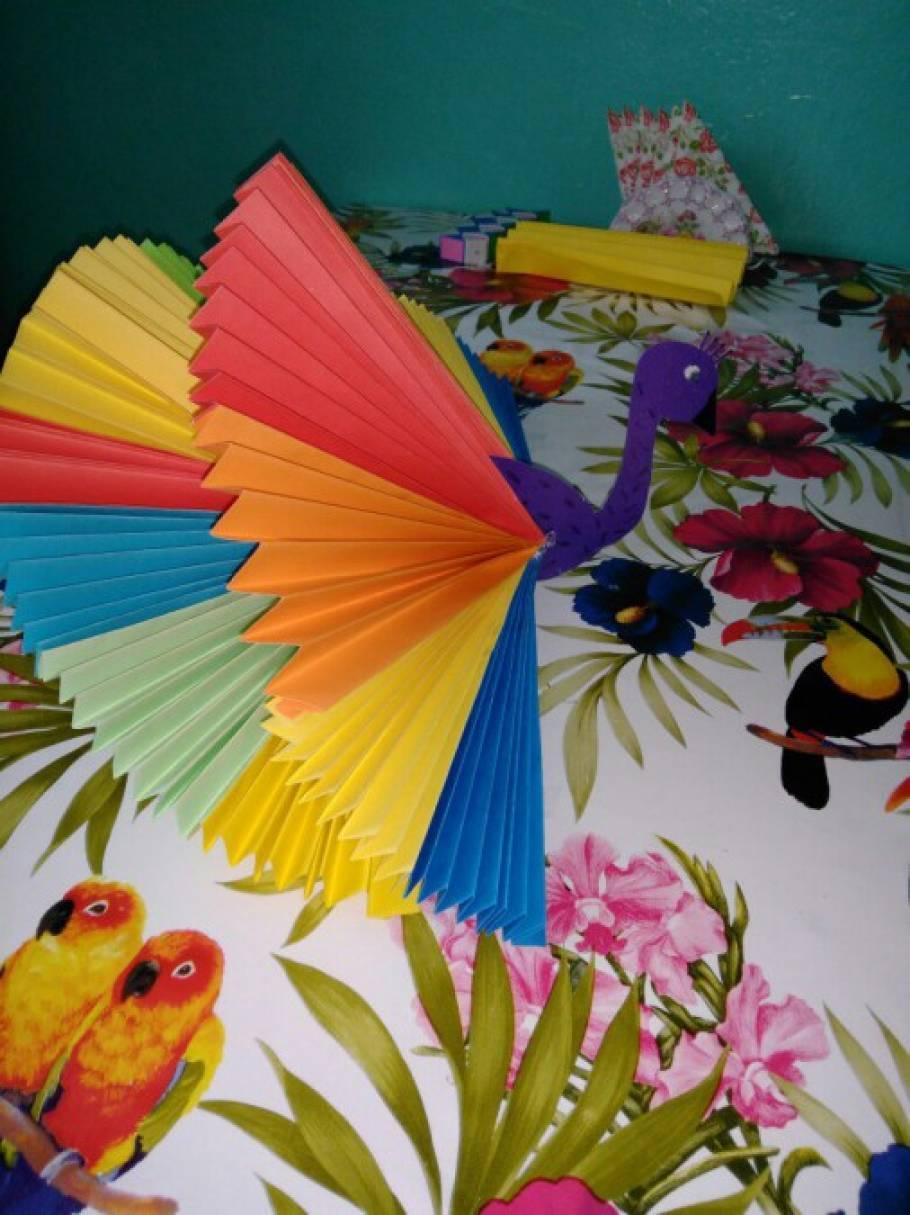 Своими руками из разноцветной бумаги