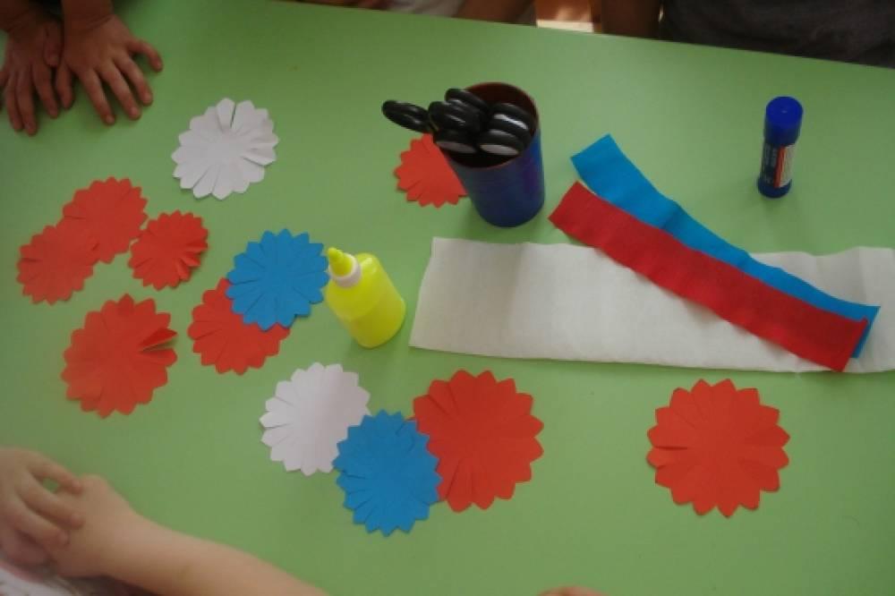 Поделки ко дню россии в детском саду фото 43