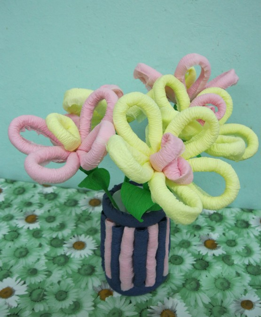Мастер-класс «Букет из гофротрубочек в подарок маме к 8 Марта»