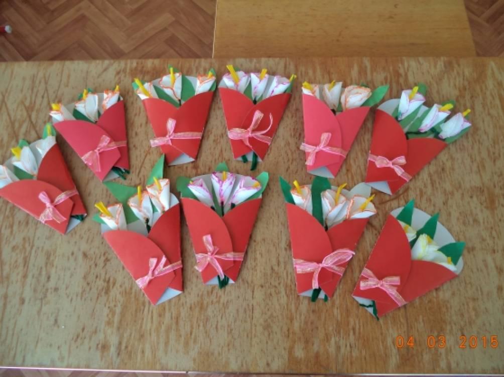 Подарки к 8 марта своими руками цветы из бумаги