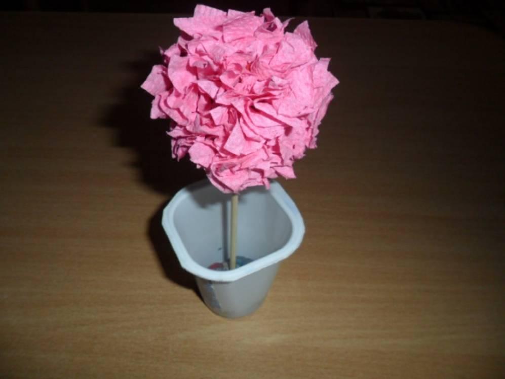 Поделки из гофрированной бумаги: цветы своими 92