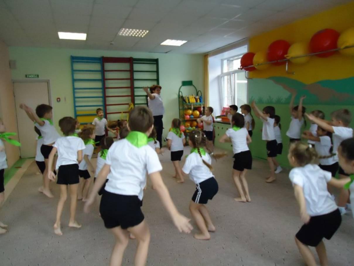 Игры эстафеты в подготовительной группе детского сада