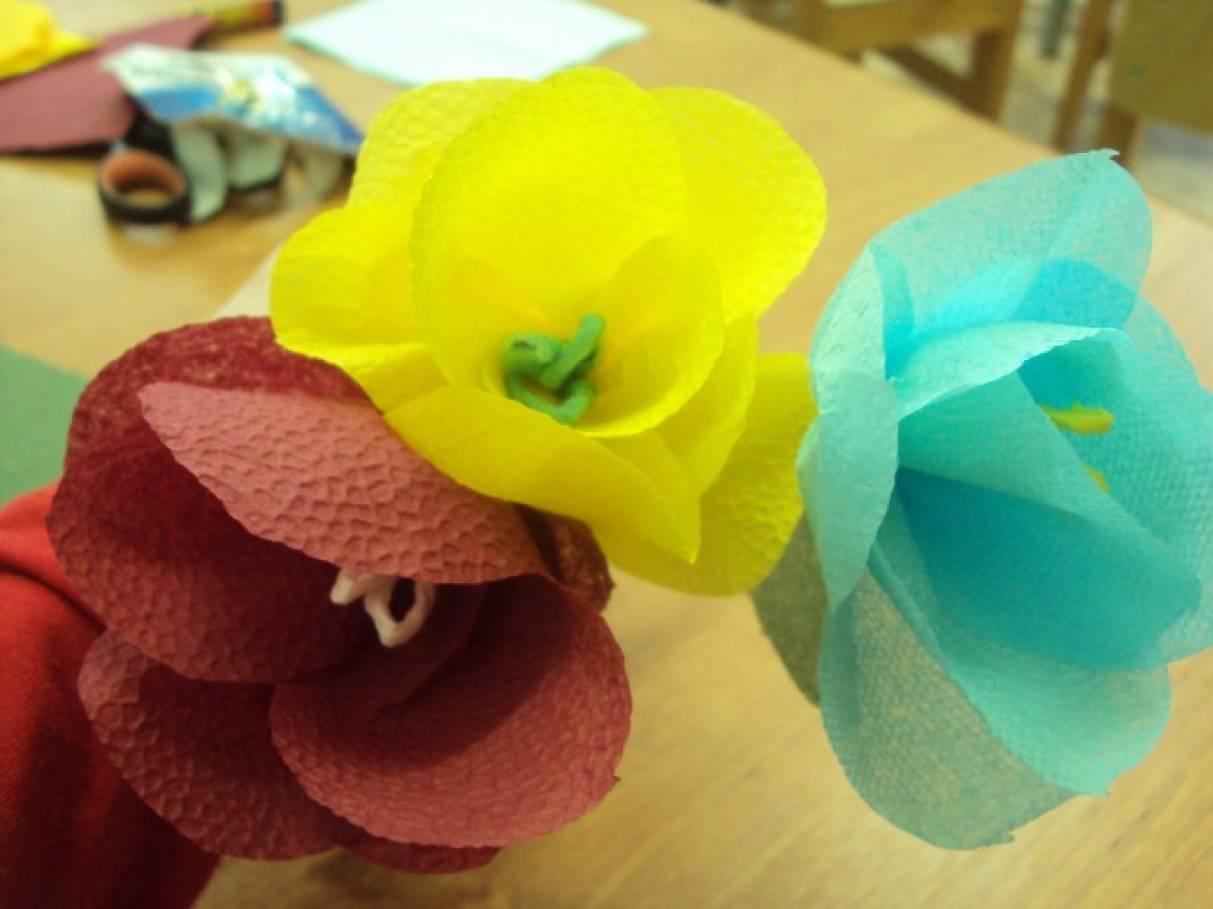 Поделка из цветков из салфеток 734