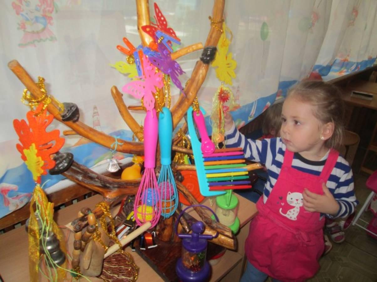 Комплект самодельных шумовых детских музыкальных инструментов «Музыкальное чудо-дерево»