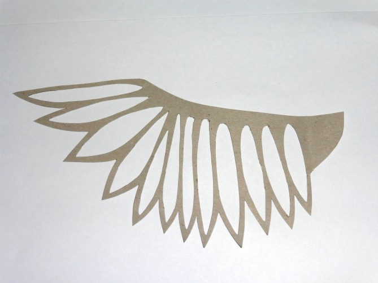 Как сделать крылья птицы из картона