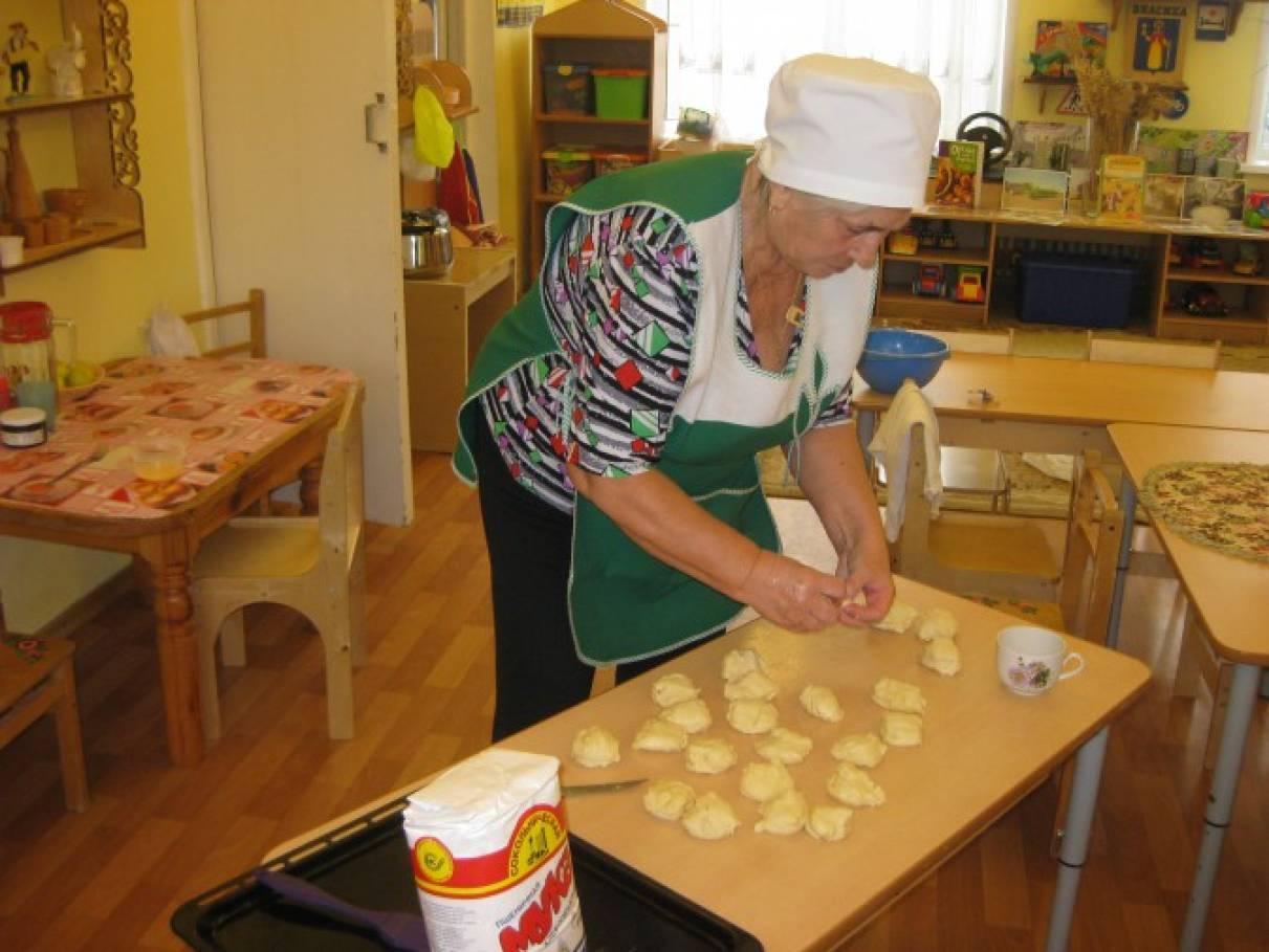 знакомство детей с профессией повара в средней группе