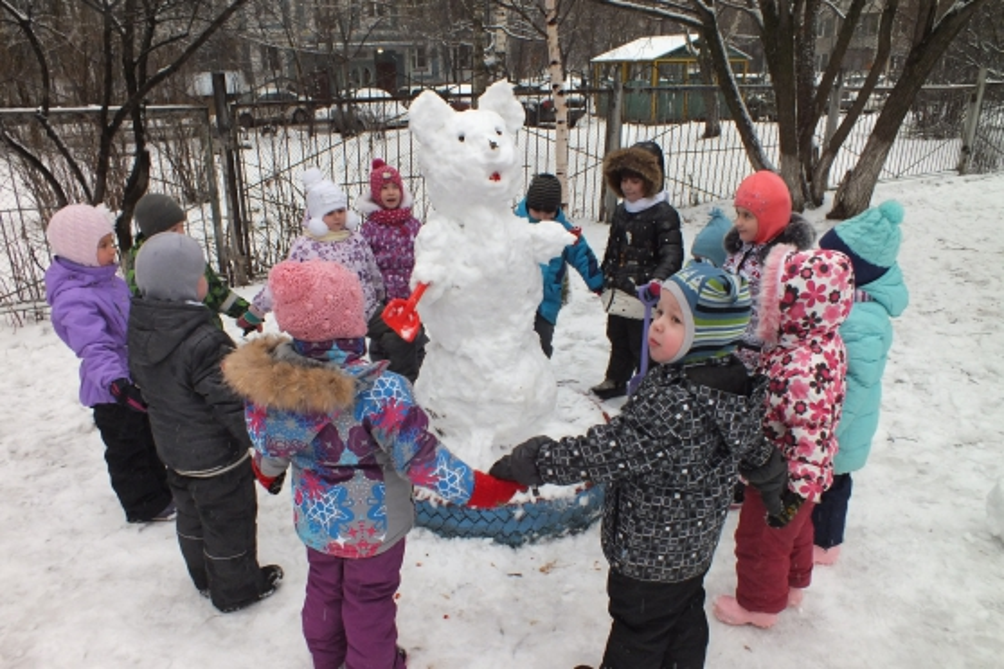Зимой на прогулке картинки для детского сада